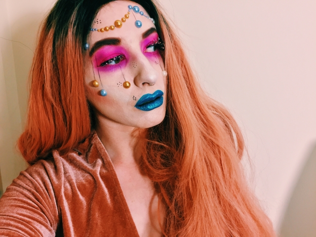 bauble makeup, makeup, cosmetics, christmas