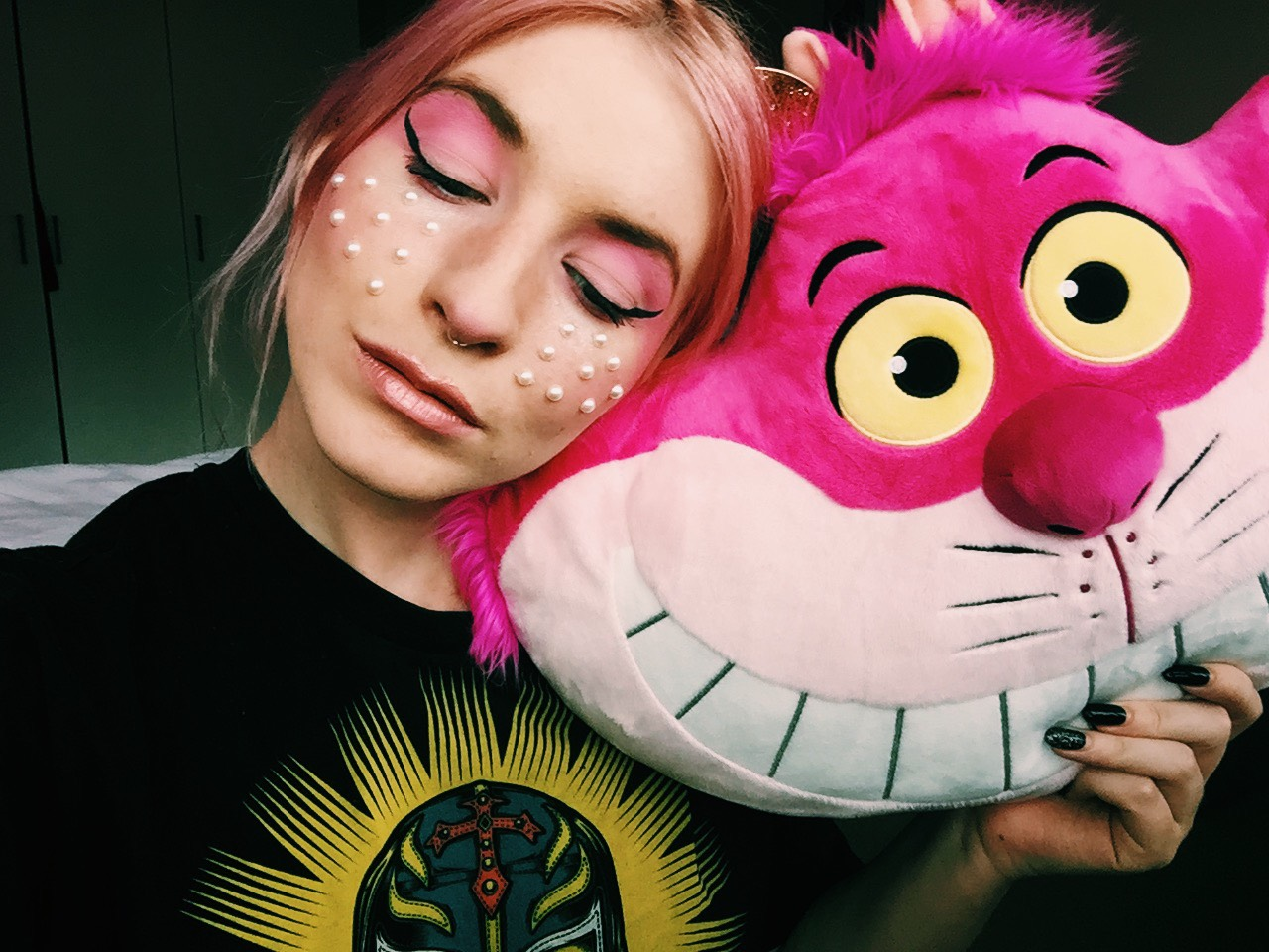 cheshire cat pearl freckles disney inspired makeup