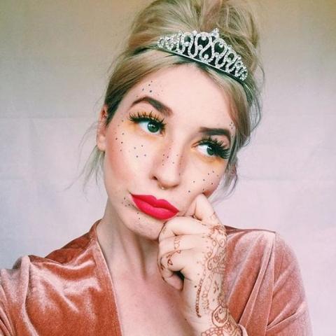 tiara prom queen colored freckles velvet henna