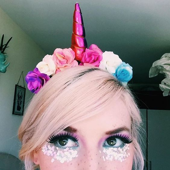 unicorn headband festival look with glitter